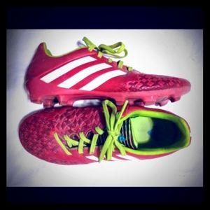 EUC Adidas Predator Cleats